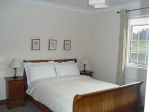 Hillview b&b in Crianlarich. Double bedded room with en-suite facilities.